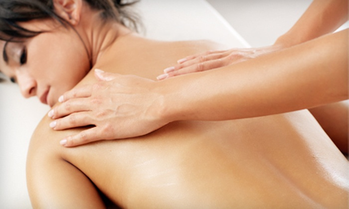 Chiropractic Center of Los Angeles - Mid-Wilshire: $39 for a One-Hour Deep-Tissue Massage at Chiropractic Center of Los Angeles ($85 Value)