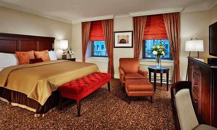 For a comfortable, modern, and affordable suite in Las Vegas, NV there is no better choice than a Petite Suite at Treasure Island Hotel & Casino.