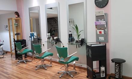 Sesión de peluquería con opción a tinte y/o mechas en El Cepillo Mágico (hasta 76% de descuento)