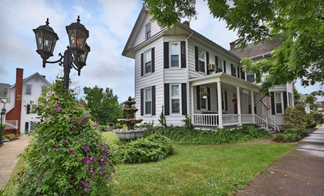Restored Victorian Inn in Shenandoah Valley