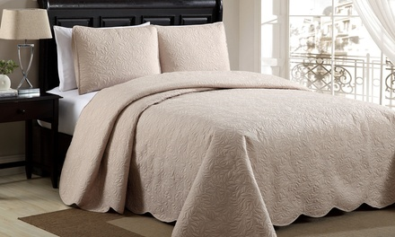 Tina Scalloped Bedspread Set