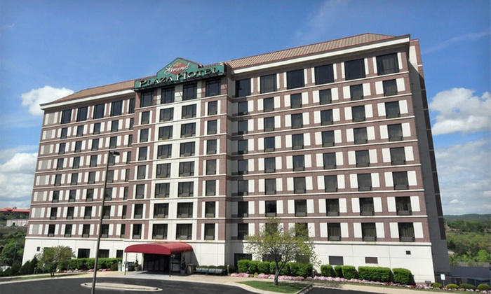 Grand Plaza Hotel - Branson - Branson: One- or Two-Night Stay at Grand Plaza Hotel Branson in Branson, MO