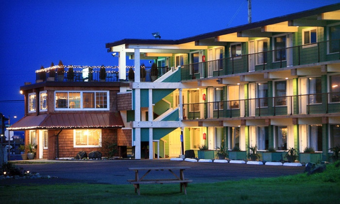 Westport Inn - Westport, WA : Two-Night Stay with Options for Wine and Espresso or Guitar Workshop and Concert at Westport Inn in Westport, WA