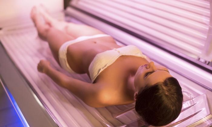 Sun Kiss Tan & Beauty Salon - Clackamas: Two Weeks of Unlimited Tanning at Sun Kiss Tan Pdx (70% Off)