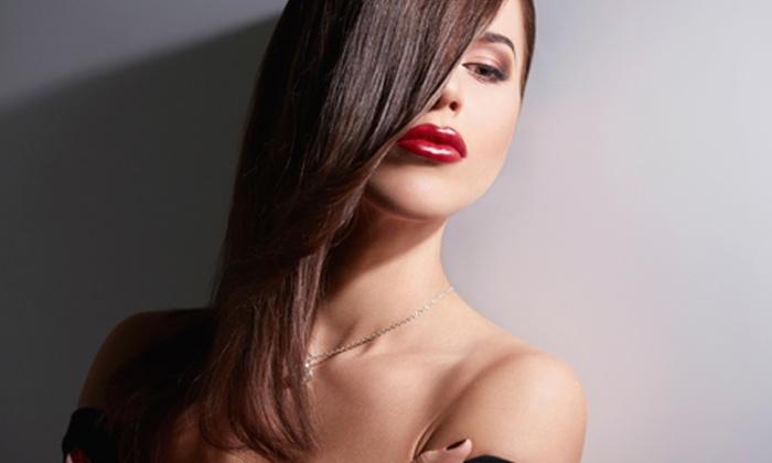 Glamour - Capannori (LU) fraz. Lammari: Taglio, piega e colore, colpi di luce, mèches o shatush da 19 € invece di 74,50