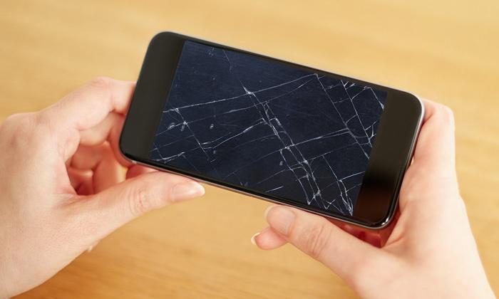 Displayreparatur für das iPhone 4 und 4S und aufwärts oder für iPad 3 und 4 bei Vodafone Klenow Tor ab 49,90 €