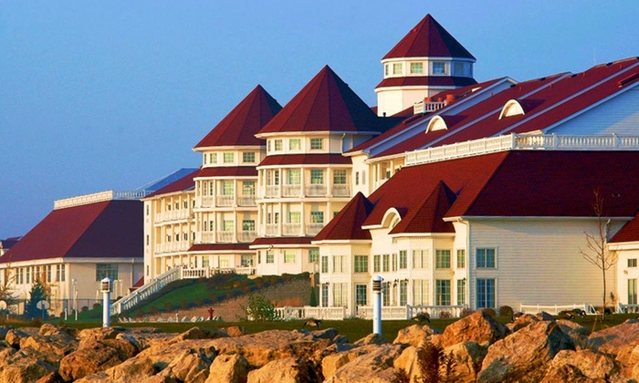 Blue Harbor Resort - Sheboygan, WI: Stay with Water-Park Passes at Blue Harbor Resort in Sheboygan, WI