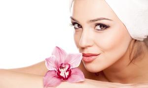 Centro estetico Helios: 3 o 5 pulizie del viso con maschera e massaggio (sconto fino a 88%)