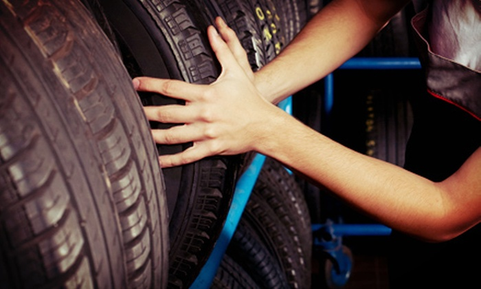 Toronto Executive Tire Services - Downtown Toronto: $49 Mobile Tire-Change Package from Toronto Executive Tire Services ($112.99 Value)