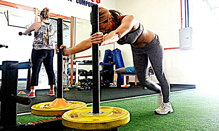 Undisputed Performance - Lake Forest: $77for 21 Days of Unlimited Group Personal-Training Sessions at Undisputed Performance ($249 Value)