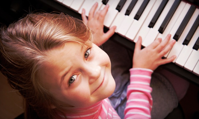 LM Music studio - Fort Worth: Four Weeks of 60-Minute Group Piano Lessons for One or Two Children at LM Music studio (Half Off)
