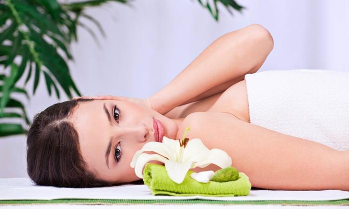 Estetica Group - Estetica Group Di Ventimiglia Claudio: Pulizia viso, massaggio di 50 minuti e ceretta più trattamenti a scelta da 24 €