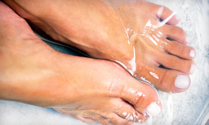 Simple Solution Weight Loss - Brevoort Park: One or Three Detox Footbaths with or without Infrared-Sauna Session at Simple Solution Weight Loss (Up to 59% Off)