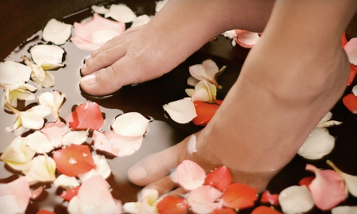Detoxing the World - Bethesda: $29 for an Ion Cleanse Footbath at Detoxing the World in Bethesda ($60 Value)