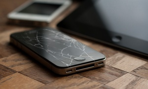 iRiparazione: iPhone or iPad Screen and Protector Installation at iRiparazione (Up to 54% Off). Four Options Available.