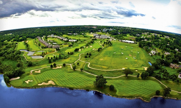 Geneva Ridge Resort - Geneva: One- or Two-Night Stay at Geneva Ridge Resort in Lake Geneva, WI