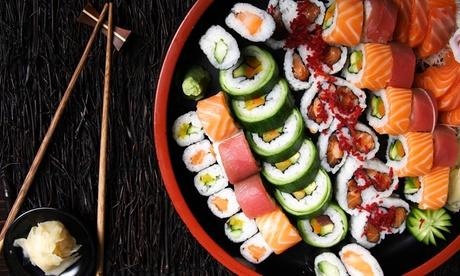 36 o 52 piezas de sushi para 2 o 4 y bebida con opción a entrante y botella de vino desde 19,95€ en Sushiclass Aragón Oferta en Groupon