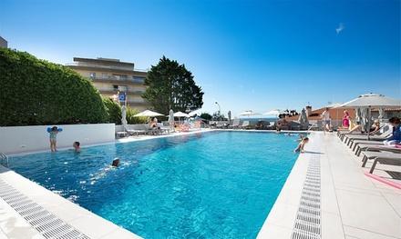 Biarritz: estudio para 2 adultos y 2 niños con media pensión en Residence Le Grand Large