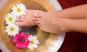 Hands & Oils Aromatherapy: Foot Detox Spa or Pedicure (£8.90) or Both (£16.90) at Hands & Oils Aromatherapy (Up to 58% Off)