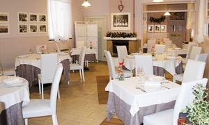 Ristorante Menzaghi: Menu di terra o di pesce di 4 portate con bottiglia di vino al Ristorante Menzaghi, segnalato Michelin