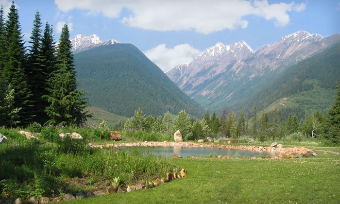 Heather Mountain Lodge - Golden, BC: Two-Night Stay for Two with Daily Lunch at Heather Mountain Lodge in Rogers Pass, British Columbia