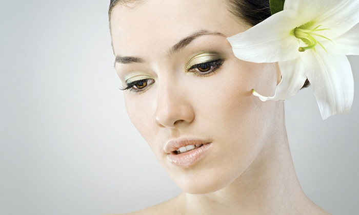 Lovely Beauty Bar - Milwaukee: $30 Off Purchase of Women's Color at Lovely Beauty Bar