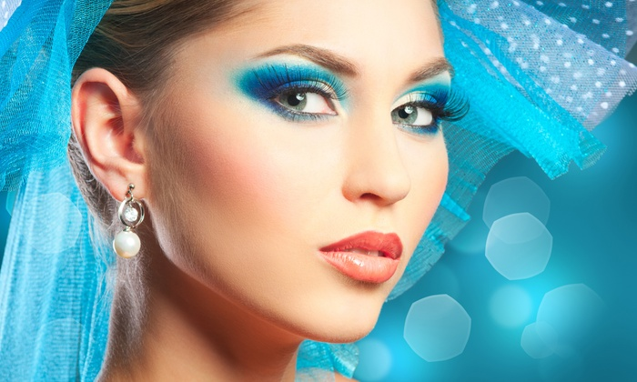 AmeriCurves - Lake Worth: Flare Eyelash Extensions or Laid Eyelash Extensions with Optional Refill at AmeriCurves (Up to 61% Off)