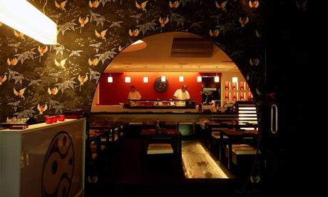 Sushi para 2 o 4 con bandeja de 44 piezas para cada dos desde 29,90 € en Estado Líquido Sushi Lounge, Lisboa