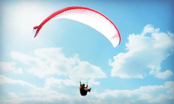 Fly Hawaii - Waimanalo: $89 for a Three-Hour Group Paragliding Lesson from Fly Hawaii ($200 Value)