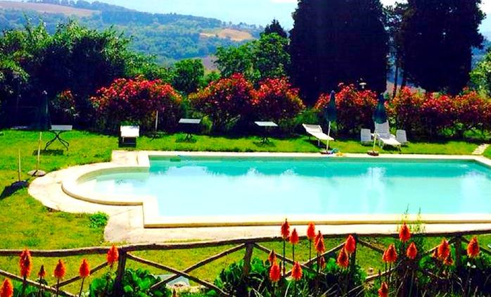 Fino a 5 notti in camera matrimoniale o doppia e colazione per 2 persone presso Villa Sobrano Country House