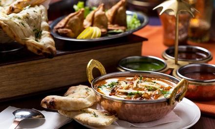 Traditionelles indisches 5-Gänge-Menü inkl. Begrüßungstee für zwei oder vier Personen bei Dostana (bis zu 57% sparen*)