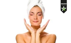 LR Centro Benessere: 3 pulizie del viso a scelta tra oli essenziali, acido ialuronico o vitamine. Valido in 2 sedi (sconto fino a 93%)