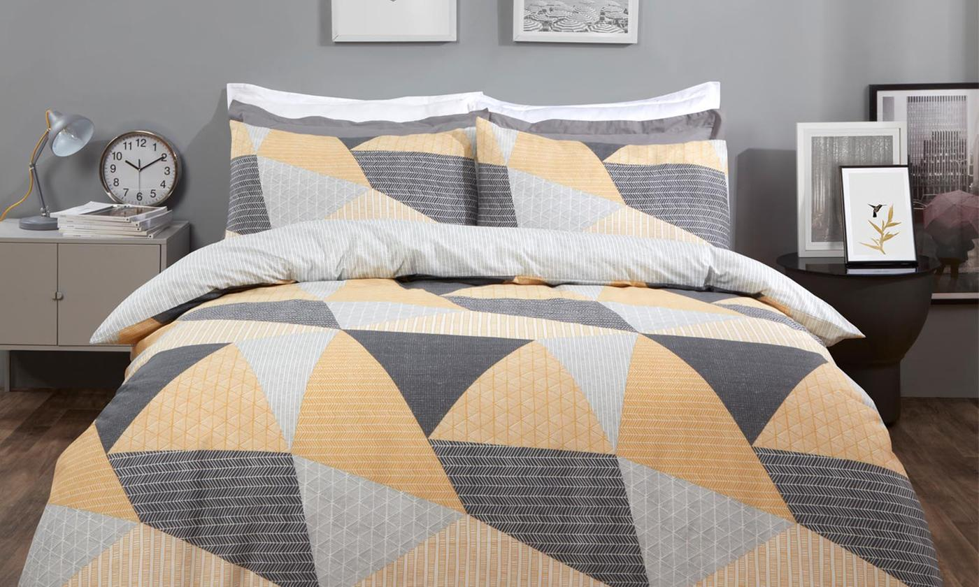 Modern Geo Reversible Duvet Set for £9.98