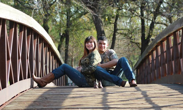 O See Photography - Houston: 60-Minute Outdoor Photo Shoot from O See Photography (84% Off)