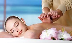 Estetica Moscovita: 3 massaggi hawaiani e in più 3 massaggi per schiena e cervicale (sconto fino a 80%)