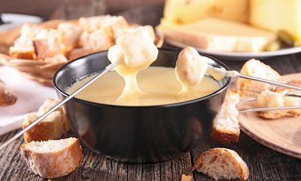 Menú fondue para 2 o 4 con aperitivo, fondue de queso, fondue de chocolate y bebida desde 19,90 € en Mic Sopars