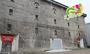Der Bunker: Dunkelführung mit Dynamo-Taschenlampe für Zwei oder Vier im Bunker ab 17,90 € (52% sparen*)