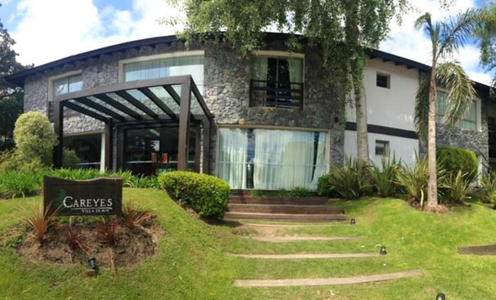 Mar de las Pampas: desde $1899 por 2, 3, 4 o 7 noches para dos + spa con opción a fiestas en Careyes Apart Hotel & Spa