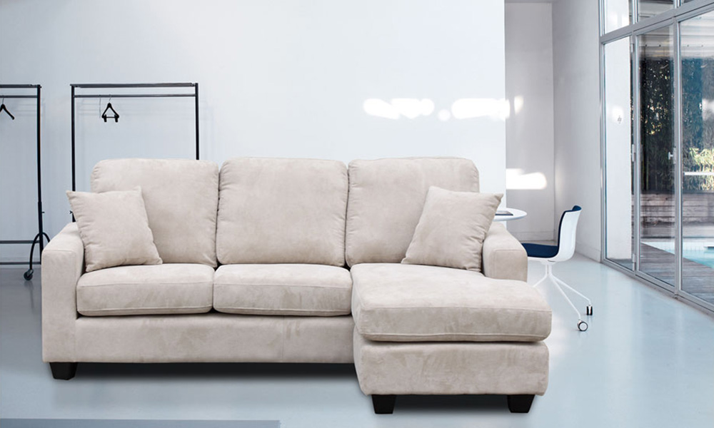 Cream chaise sofa cream leather chaise lounge reviravoltta for Berkline sectional sofa with chaise