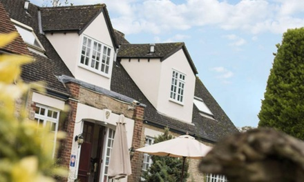 Oxfordshire: 1 to 2 Nights for Two with Breakfast and Option for Dinner at Bignell Park Hotel