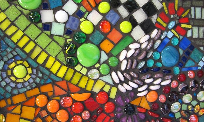 Yucandu Art Studio - Webster Groves: $39 for a Mosaic Wooden-Plaque Project at Yucandu Art Studio ($70 Value)