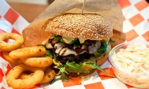 Republika Burgera: Uczta w amerykańskim stylu: 2 burgery za 29,99 zł i więcej opcji w Republice Burgera (do -33%)