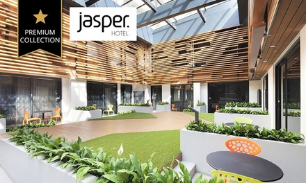 Melbourne: Stay for Two People with Breakfast and Late Check-Out at 4* Jasper Hotel