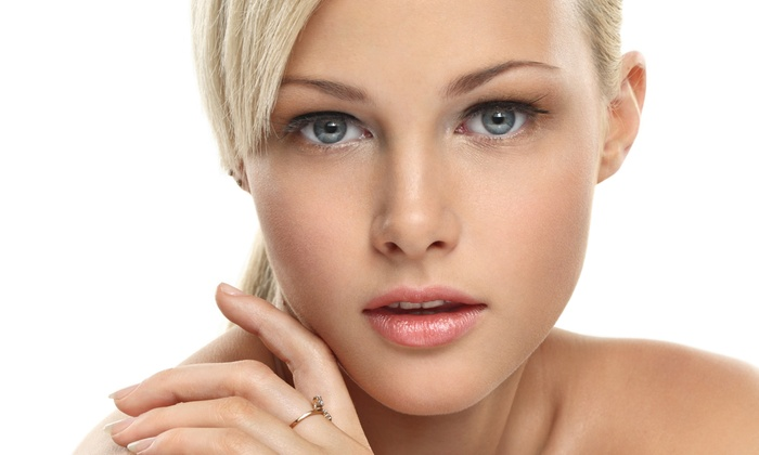 Chicago Institute of Plastic Surgery - The Chicago Institute of Plastic Surgery: One, Two, or Six Chemical Peels or Microdermabrasion Treatments at Chicago Institute of Plastic Surgery (Up to 78% Off)