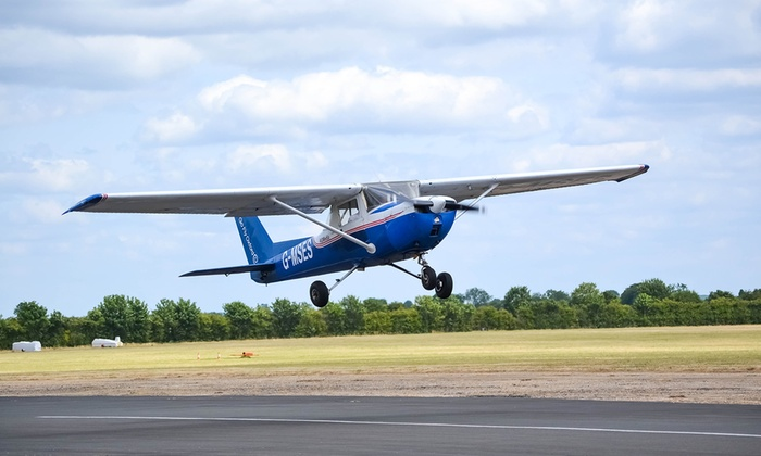 Go Fly Oxford Ltd - Go Fly Oxford Ltd: 20-Minute Cessna 150 Flight Experience at Go Fly Oxford (40% Off)