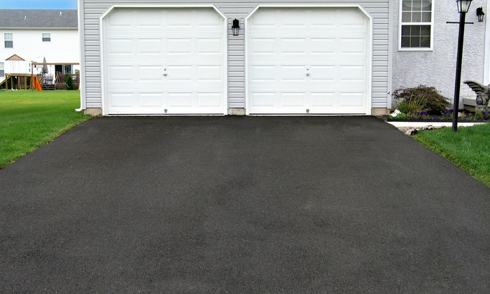 Pressure Washing Unlimited - Austin: $99 for Professional Driveway Power Washing from Pressure Washing Unlimited ($200 Value)