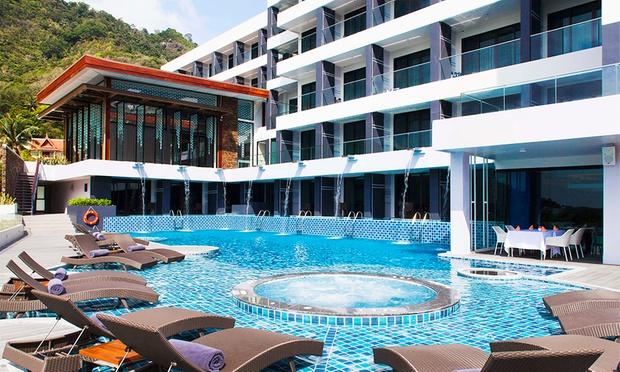 Phuket: 4* Stay at Eastin Hotel 7