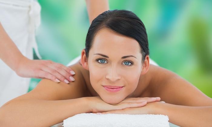 Studio massaggi - Parma: 3 o 5 massaggi di 50 minuti a scelta (sconto fino a 78%)