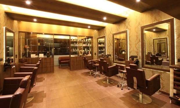 VICTORIA LONDON SALON – BOCA RATON, FLORIDA. Victoria London Salon is a beautifully modern, European styled, full service hair salon located in Boca Raton, Florida. Our salon showcases highly trained, cutting-edge professionals in a clean and friendly atmosphere.