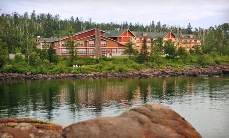 Luxurious Lodge Along Lake Superior